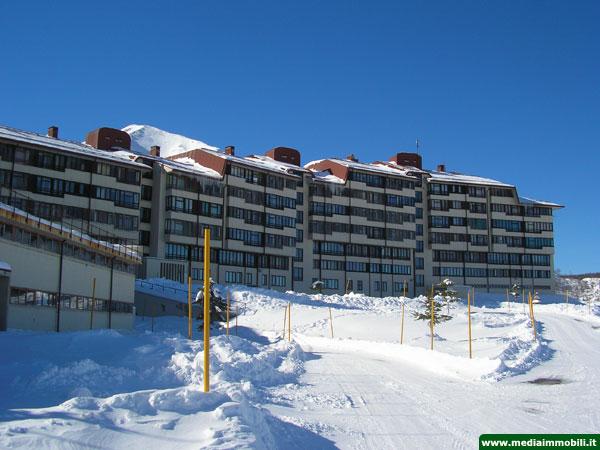 Appartamento trilocale in vendita a campitello matese nel - Residence sulle piste da sci con piscina ...